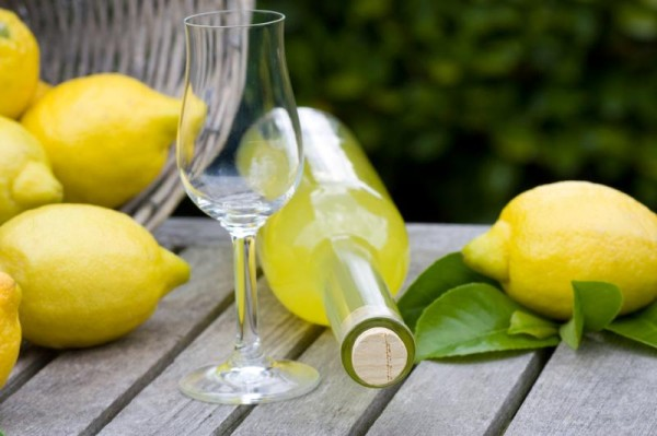 Sailing Holiday Recipes: How to Make Limoncello