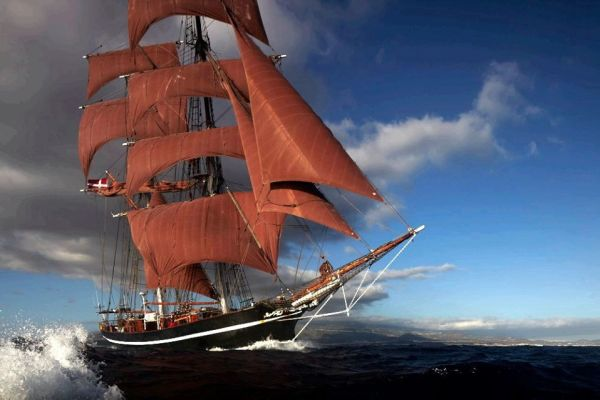 Adventure Charter – sail back in time